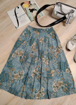 Отличная пышная юбка миди с цветочным принтом и карманами