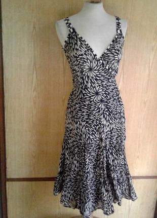 Черно - белое батистовое платье- халат на запах ,s-m.