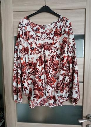 Красивая лёгкая блуза на запах в принт