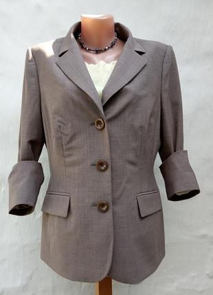 Стильный бежевый классический деловой жакет,шерстяной,пиджак,офисный.