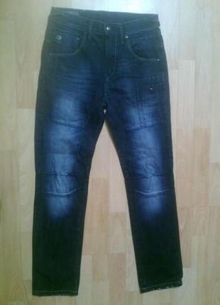 Фирменные джинсы 28 р