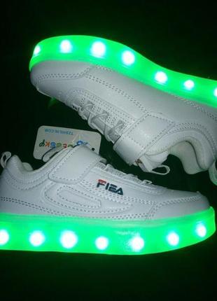 Led -кроссовки с подзарядкой