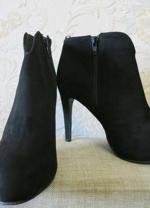 Черные стильные ботильоны на высоком каблуке на 40р. от h&m1