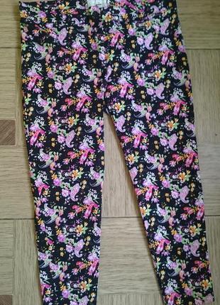 Укороченные брюки, джинсы , капри в цветочек размер 52/54