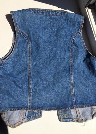 Джинсовая жилетка без рукавов3 фото