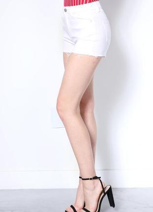 Бесплатная доставка!  белые джинсовые шорты с необработаным низом papaya, размер 46 - 48