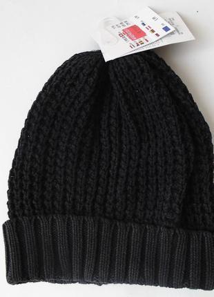 Молодежная вязаная шапка от takko fashion accessories