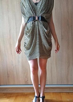Изысканое платье идеальное для новогодних праздников,  размер l подходит и на м