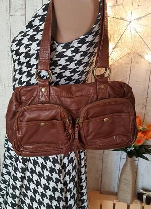 Коричневая сумочка с карманами на молнии из достоверной имитации натуральной кожи
