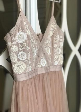 Нарядное нежное платье asos бренд needle&thread xs