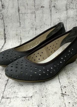 Лёгкие и удобные туфельки на лето от rieker, 36р, кожа