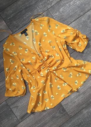 Горчичная блуза в цветы, цветочный принт