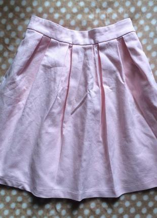 Спідничка світло-рожевого кольору stradivarius