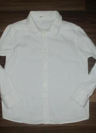 Беленькая котоновая рубашечка фирмы h&m на 4-5 лет