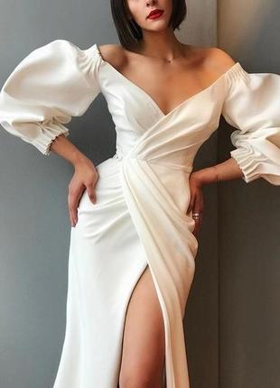 Шикарное свадебное вечернее белое платье атласное на запах открытые плечи разрез по ноге