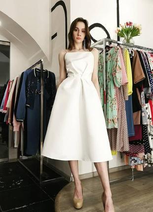Шикарное вечернее свадебное платье миди на бретелях открытая спина белое атласное4 фото