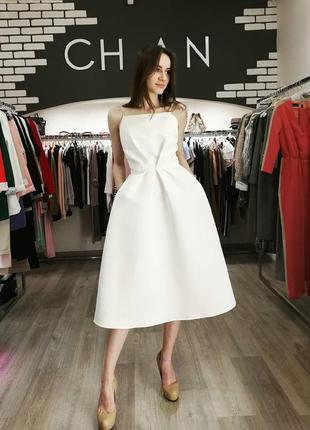 Шикарное вечернее свадебное платье миди на бретелях открытая спина белое атласное5 фото