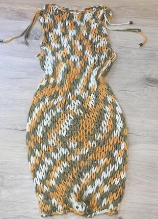 Пляжное вязаное платье