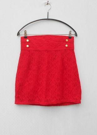 Красная нарядная кружевная юбка на молнии