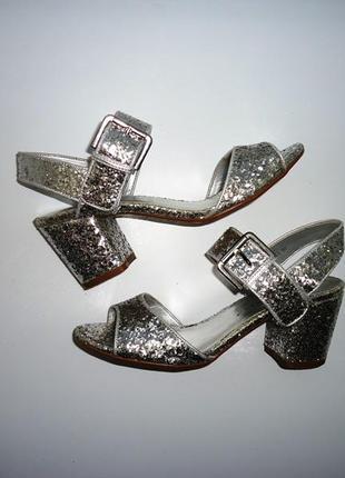 Серебрянные, серебристые босоножки с блестками для танцев new look. размер 37