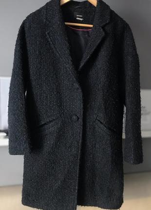 Весняне темно синє пальто