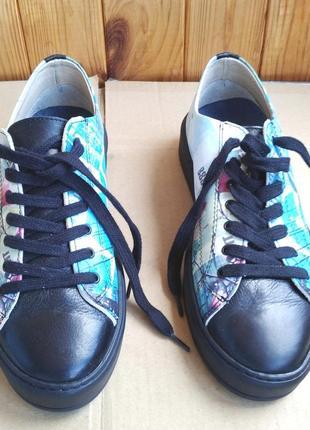 Новые полностью кожаные итальянские кроссовки мокасины national standart