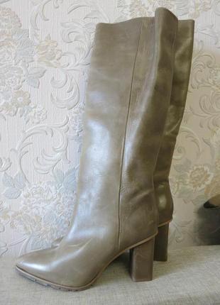 Высокие кожаные сапоги без застежки на 39р. от h&m