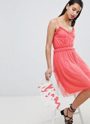 Платье миди на бретелях и с фатином