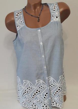 Блуза-безрукавка с вышивкой