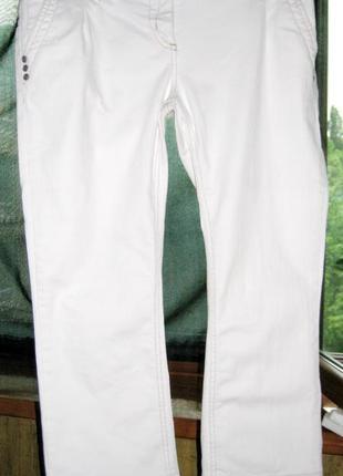 Белые джинсы -капри р 10-12 или р 40 или l