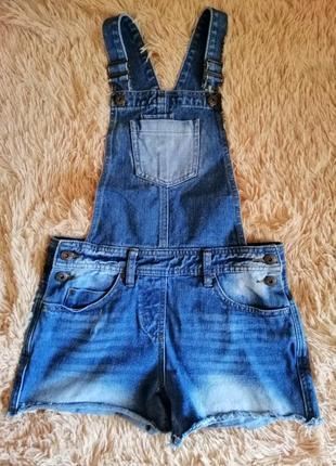 Продам летний джинсовый комбинезон в отличном состоянии на девочку 10-12 лет