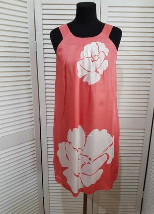 Стильное платье benetton
