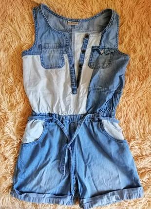 Продам тонкий летний джинсовый комбез в хорошем состоянии на девочку 10-11 лет