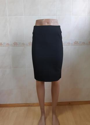 Чёрная классическая юбка balenciaga с эластичными полосами по бокам