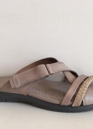 Кожаные шлёпанцы сандали босоножки ecco