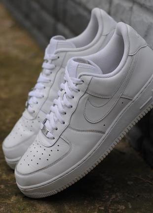 Белые кожаные мужские кроссовки nike air force i, найк аир форс. 45 размер. оригинал