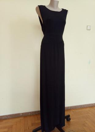 Длинное трикотажное платье от известного бренда