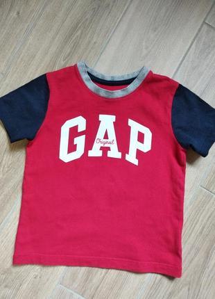 Gap красная футболка