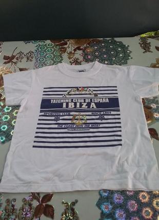 Хорошая  футболка  6-8л