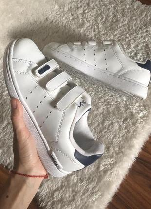 Кожаные кроссовки adidas маленького размера 34