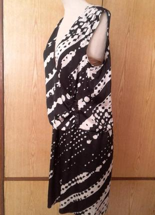 Черно- белое атласное платье -трансформер, м.4 фото