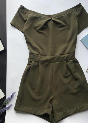 Оливковый зелёный ромпер / комбез / комбинезон хаки шортами открытые плечи