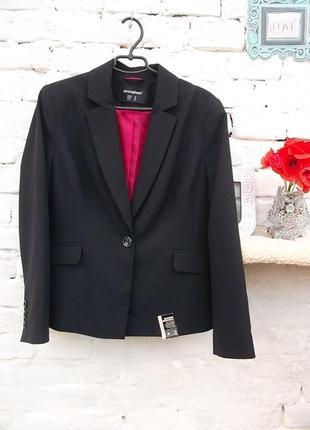 Замечательный черный пиджак, размер евро 46, наш 52-54, новый