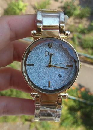 Новые крутые часы с блеском на циферблате, золотистые