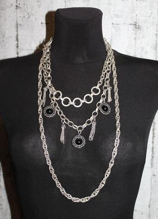 Красивое трехуровневое ожерелье покрытое серебром