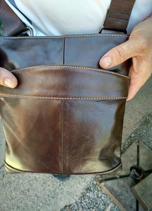 Мужская кожаная сумка через плечо коричневая