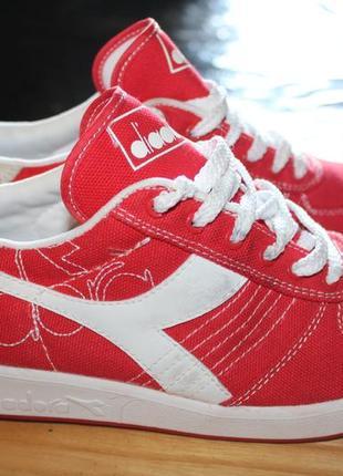 Яркие тканевые кроссовки diadora. 37 размер. 24см. оригинал.