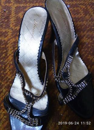 Шлепки каблук