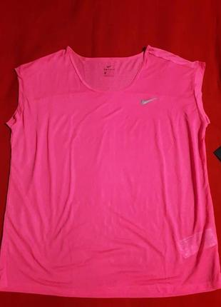 Новая оригинальная легенькая спортивная футболка nike dri fit