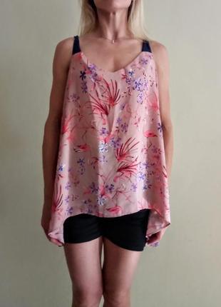 Красивая блуза в фламинго с интересной спинкой